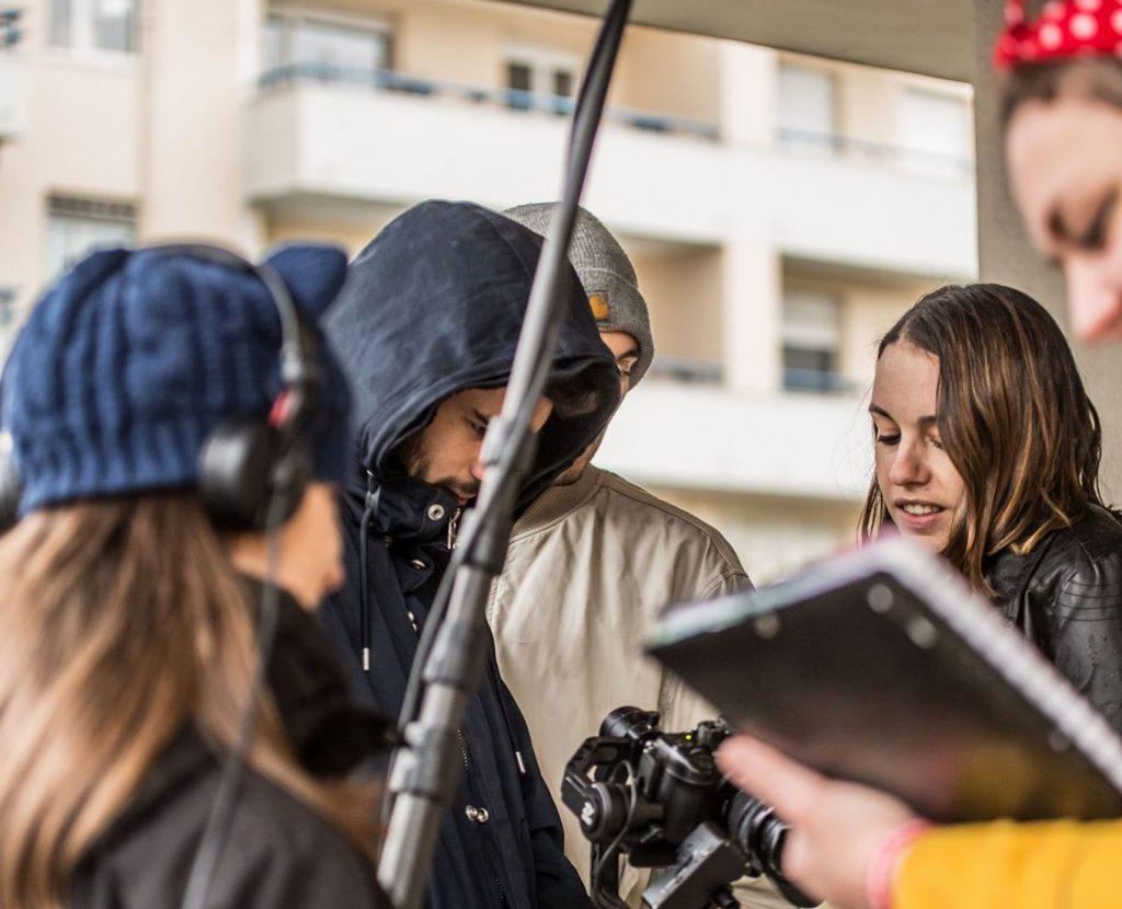 Bertille Garraud pendant un tournage